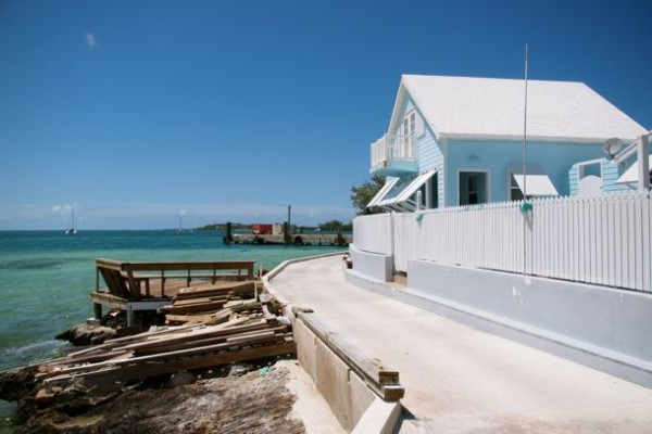 Along the waterfront, New Plymouth, Green Turtle Cay/SBPR