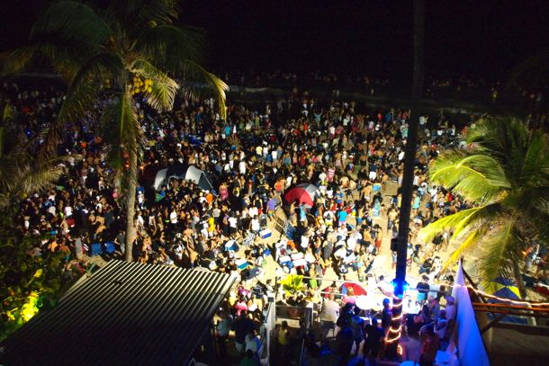 Noche de San Juan crowd at Midnight, June 23, 2012/SBPR