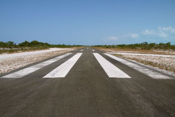 2,500 ft runway at Cowles Field