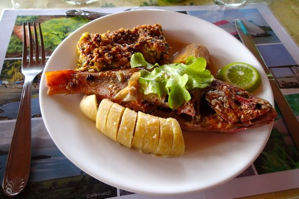 Snapper lunch at Le Hameau du Morne des Cadets | SBPR