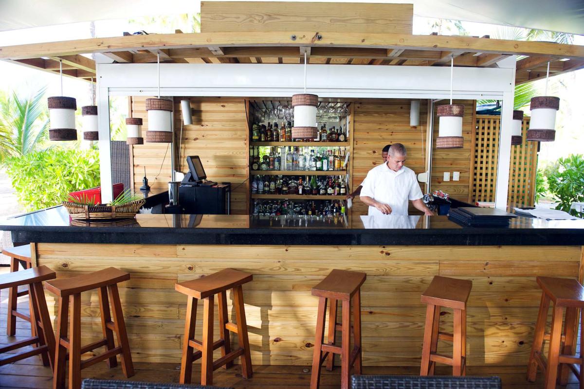 Sublime Hotel Samana beach bar
