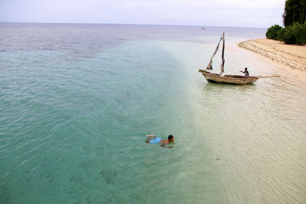 Swimming Off Ile Ara, Haiti | SBPR