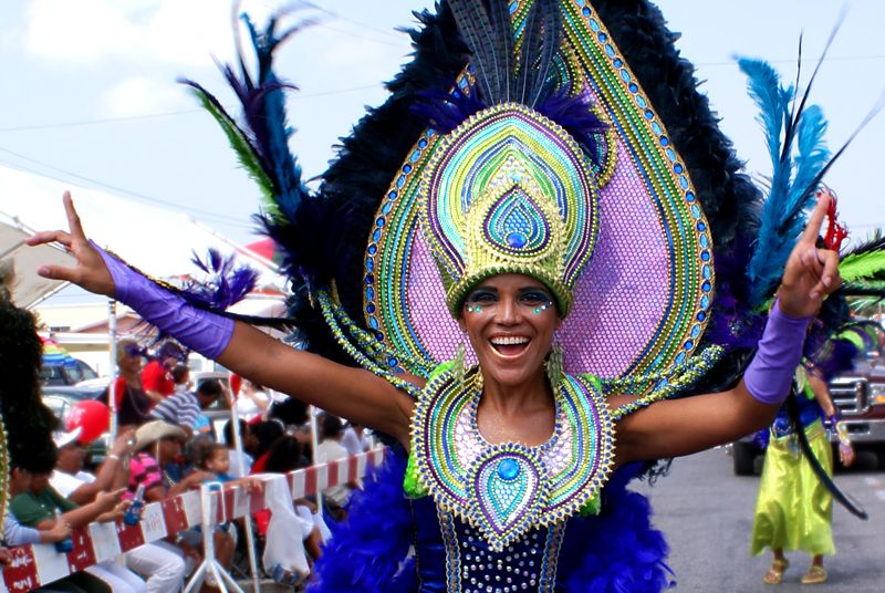 Making a Case for Aruba Carnival 2015: Uncommon Envy