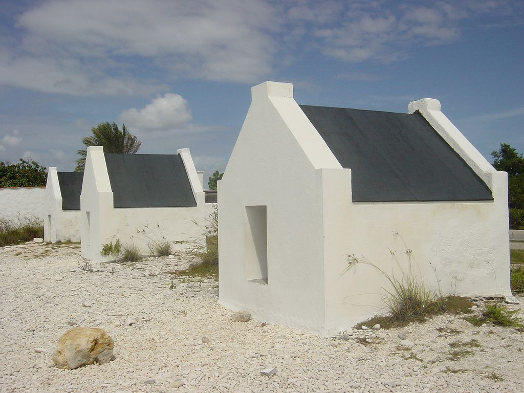 Uncommon attraction bonaire slave huts - The dive hut bonaire ...