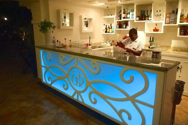 NH Haiti El Rancho Lobby Bar   SBPR