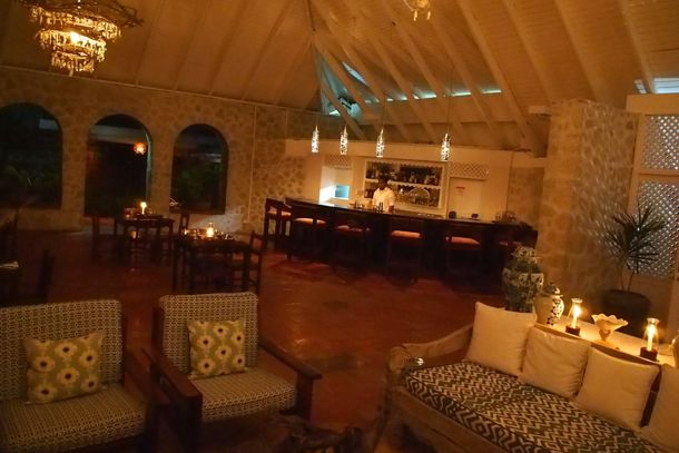 The Bar at The Beach House at Sugar Reef Bequia | SBPR