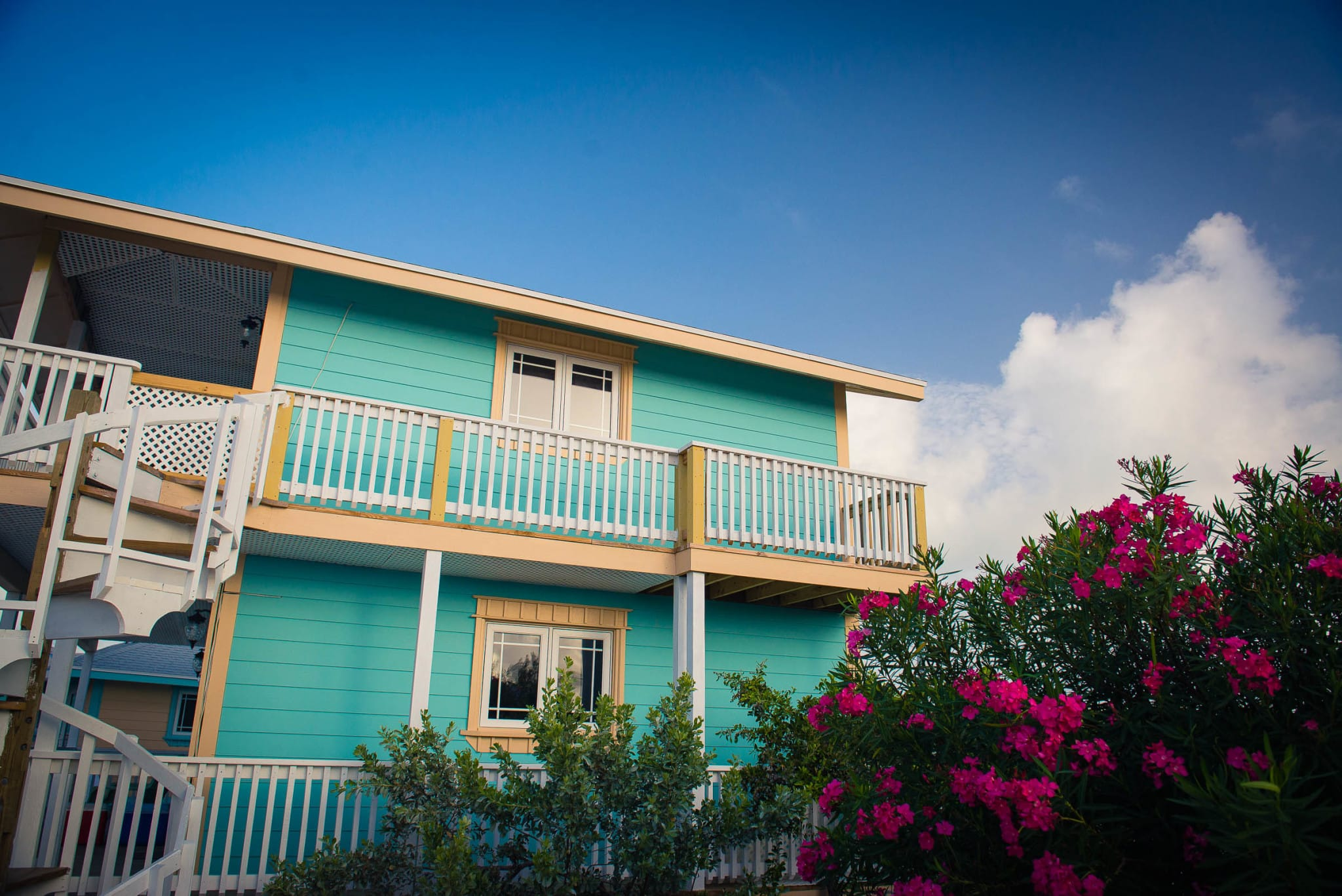 Embrace Resort Staniel Cay – Envelop Yourself in Their Bahamian Arms