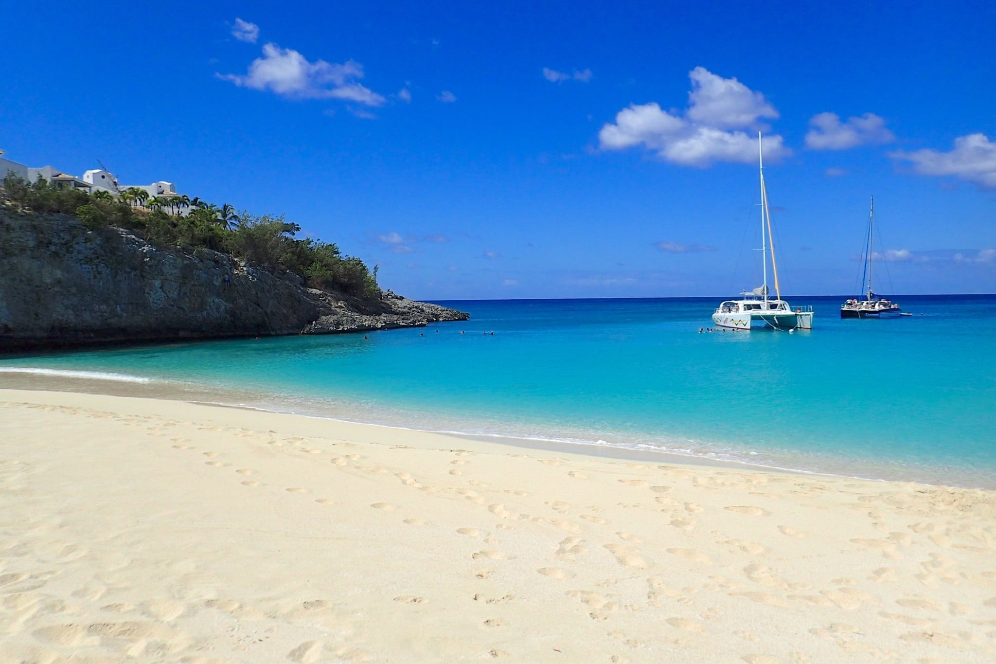 Sailing to Baie Longue, St. Martin: Wish You Were Here