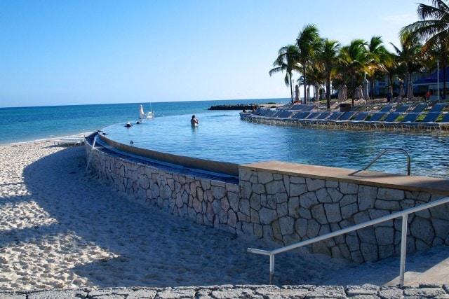Grand Lucayan Infinity Pool | SBPR