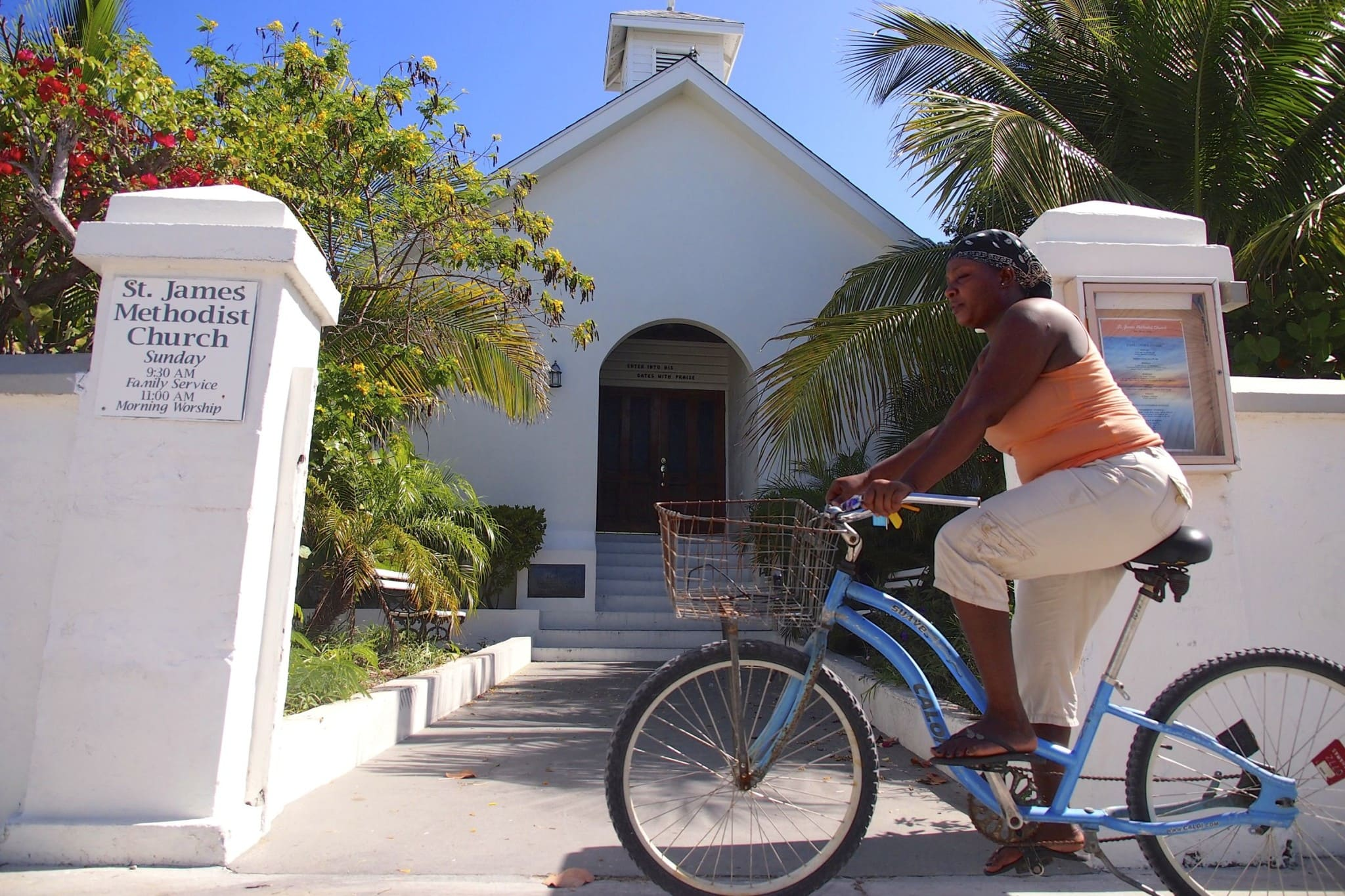 Uncommon Photo-Op: Cycling Serendipity in The Bahamas