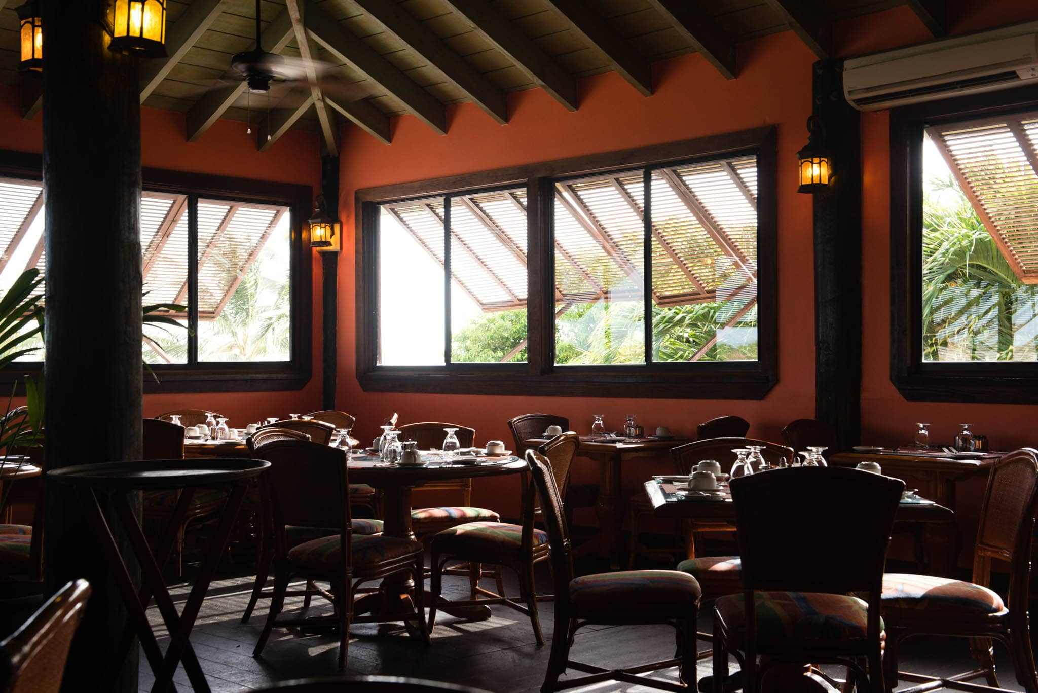 The Seabreeze Restaurant is just one of the several dining options on property.