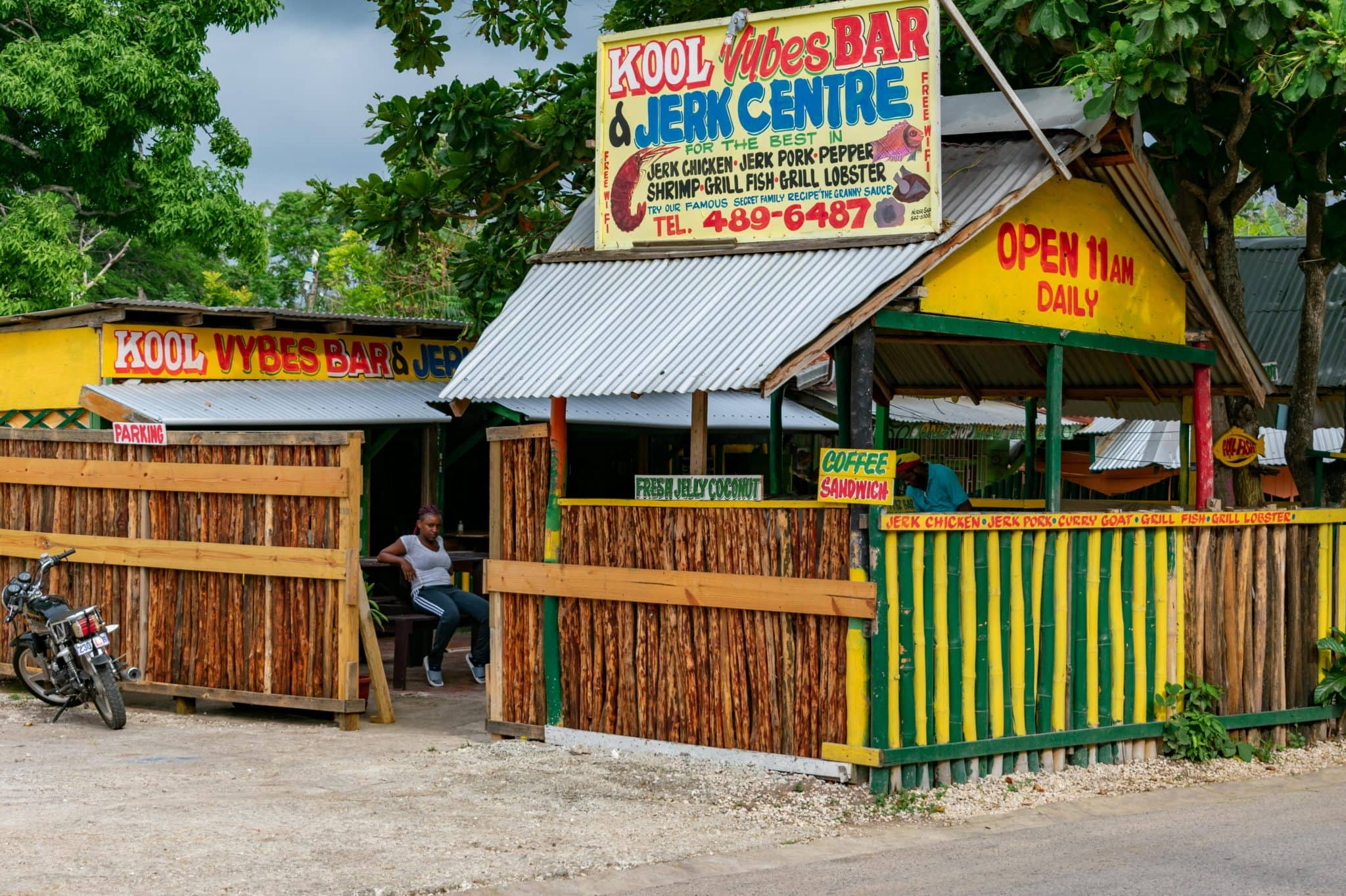 Kool Vybes Bar and Jerk Centre, Negril