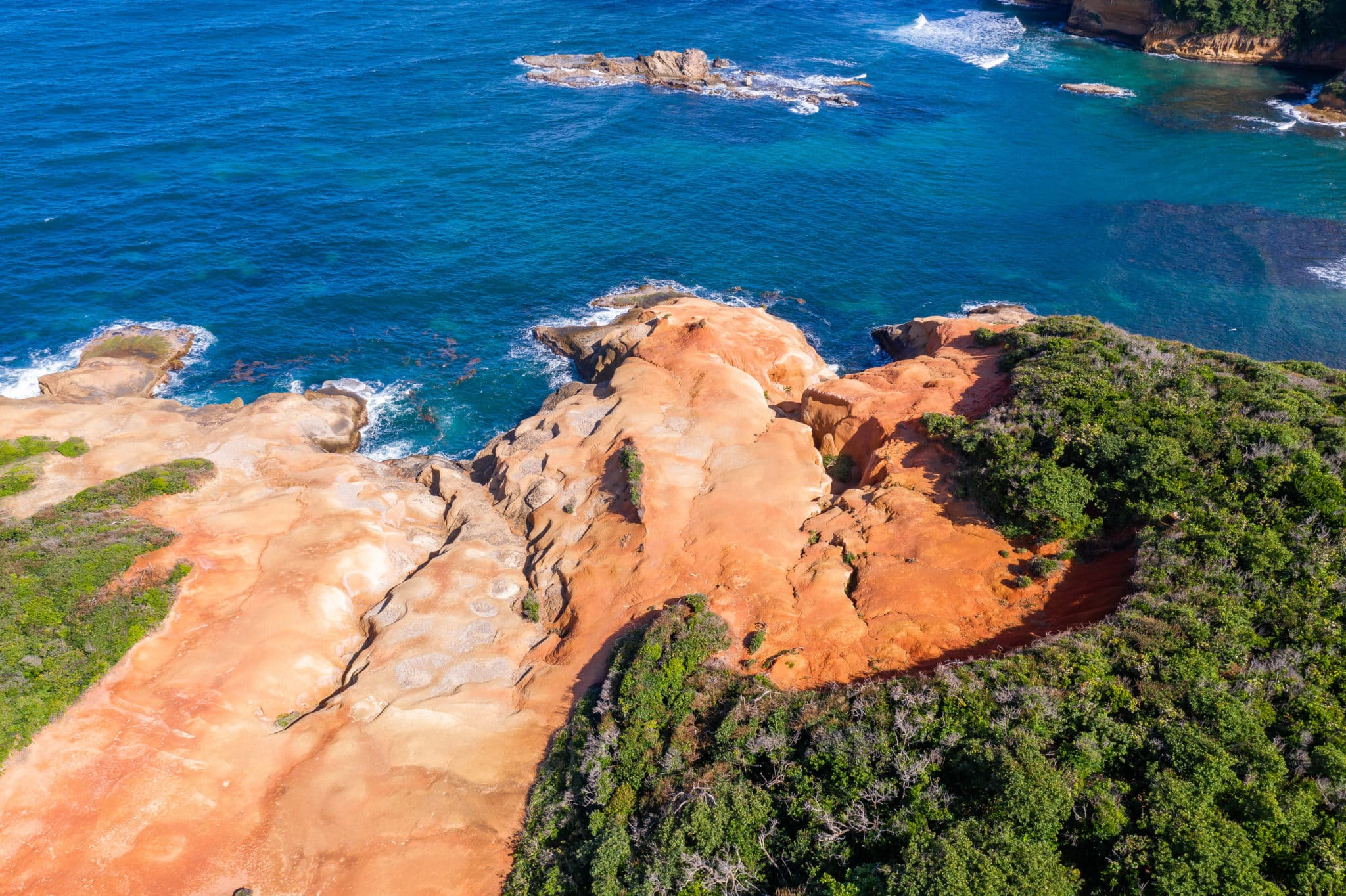 Red Rocks Dominica – Natural Beauty and Otherworldly Wonder