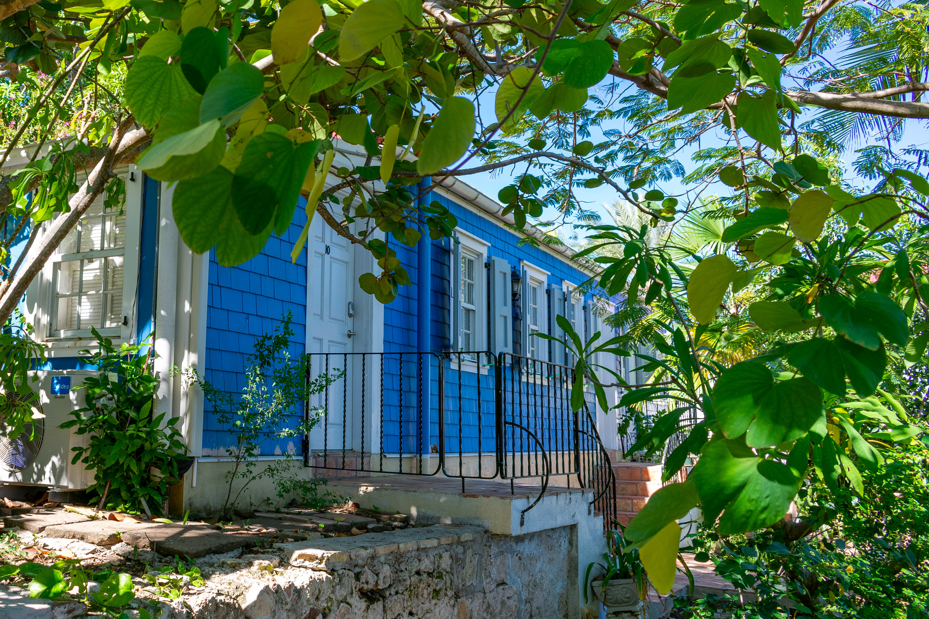 For something a little special, stay in one of the cottages on property.